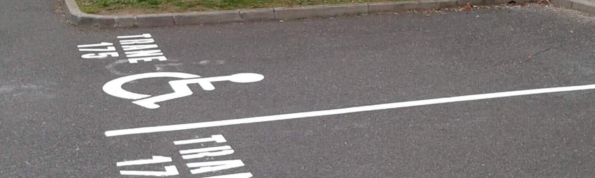 marquage au sol des places handicapé