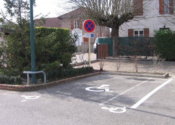 place handicape marquage au sol